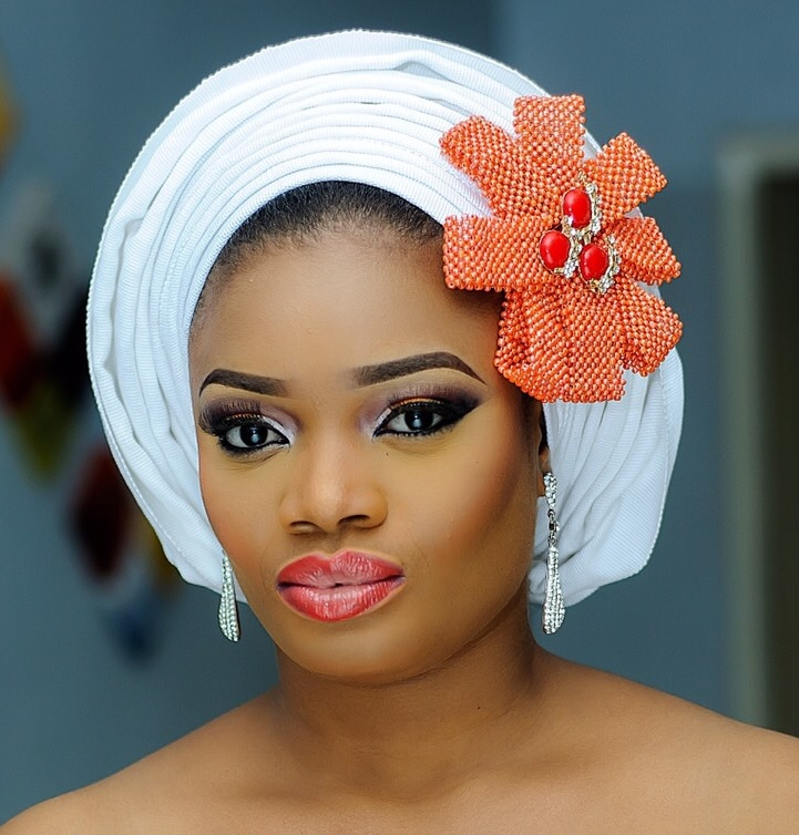 How to Tie a Gele